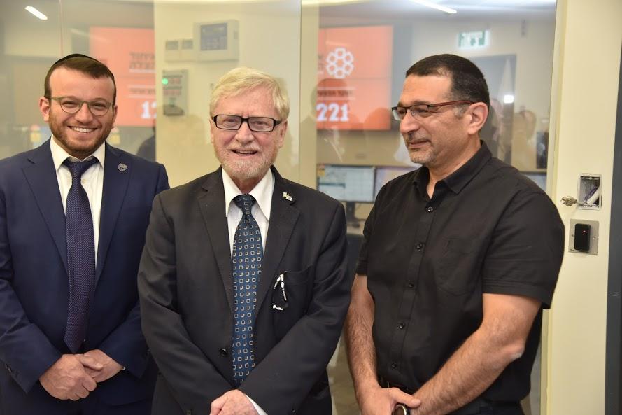 United Hatzalah CEO Moshe Teitelbaum (Left), Shapira (Center) and United Hatzalah's Muslim Division Head Murad Aliyan (Right)