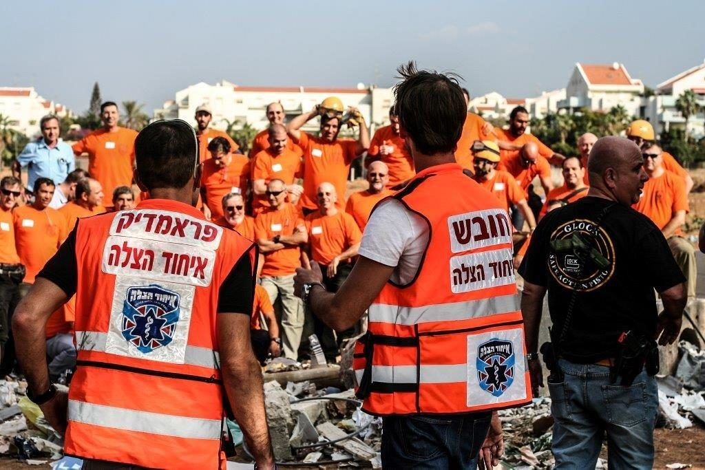 Members of United Hatzalah and the IRC train for disaster response scenarios in Israel
